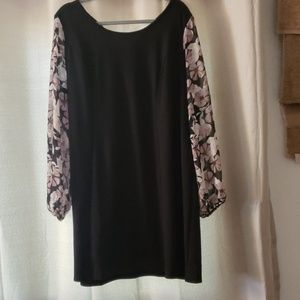 NWT sheer sleeve maurices dress